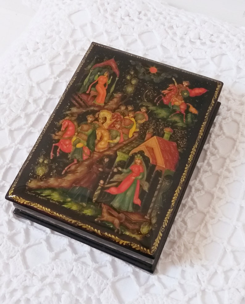 A Russian Vintage Jewelry Box Hand painted Russian Troika Handmade Signed Russian Fairy Tale Jewellery Box Russian Papiermache Laquer Box