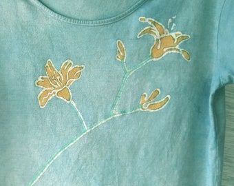 Hand-dyed, batik, 60% cotton, 40 modal, women's, short sleeve, blue, shirt with daylilies, hand painted