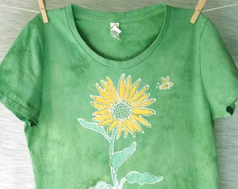 Hand-dyed batik, women's t-shirt with sunflower and bee, 100% organic cotton, yellow-green, see measurements