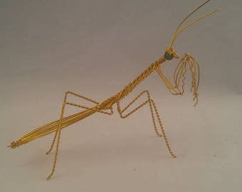 Praying mantis wire sculpture