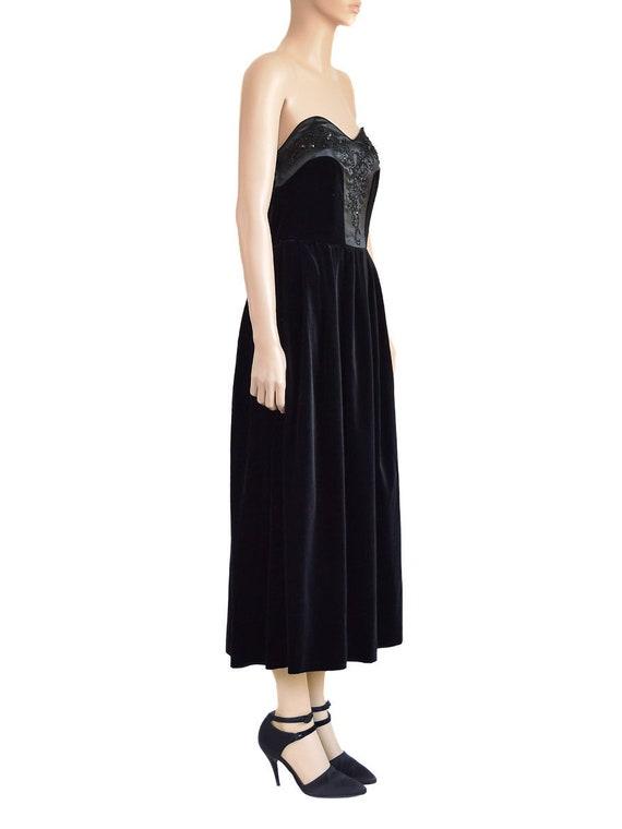 Laura Ashley Beaded Black Velvet Dress, Vintage 9… - image 4