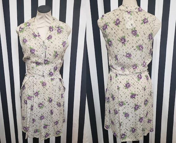 Vintage 1930s 1940s Rayon White Dress with Purple… - image 1