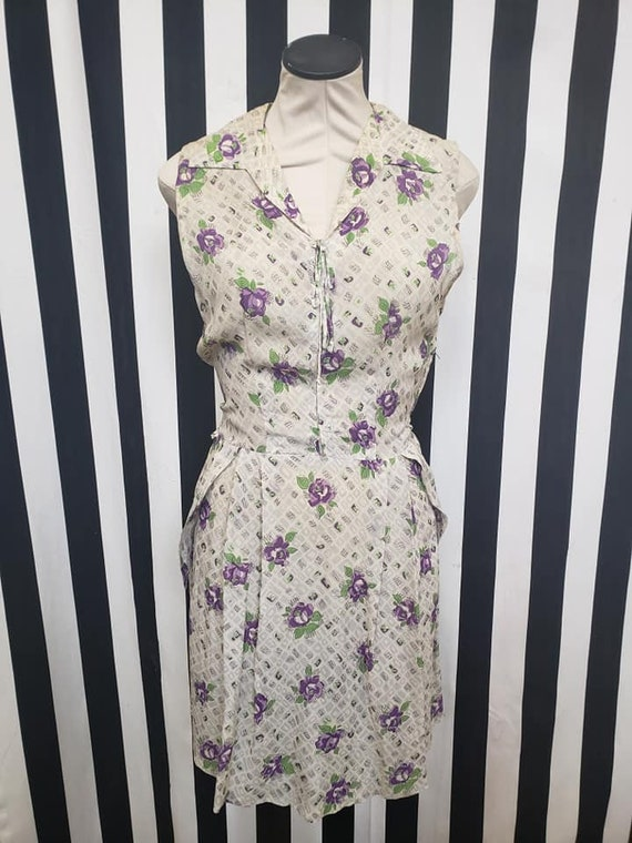 Vintage 1930s 1940s Rayon White Dress with Purple… - image 2