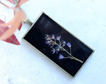 Purple real flower necklace, inspirational gift for woman, resin necklace, terrarium jewelry, dried flower jewelry, real plant necklace,