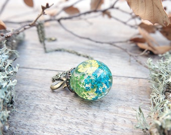 Flower resin necklace, pressed flowers, terrarium necklace, botanical necklace, gift for woman, real flower jewelry, real plant necklace
