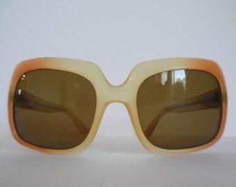 e42244df96dc58 Lunettes de soleil originaux des année 60. Lunettes de soleil vintage