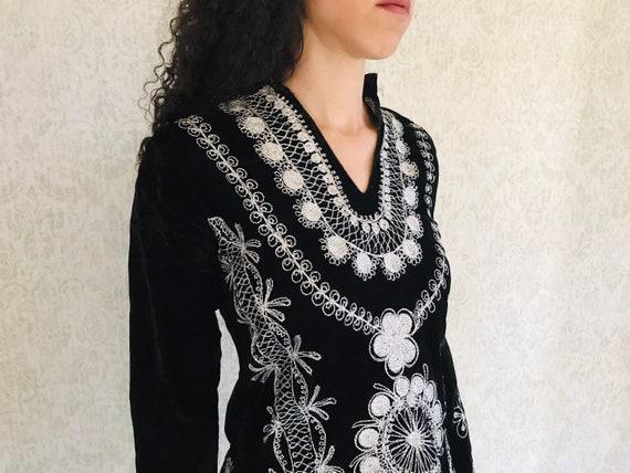 Vintage Velvet 60s Black Tunic Lurex Embroidered E