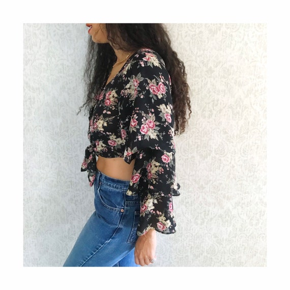 Vintage Floral Tiered Ruffle Sleeve Peasant Shirt… - image 3
