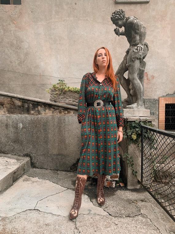70's super groovy floral dress