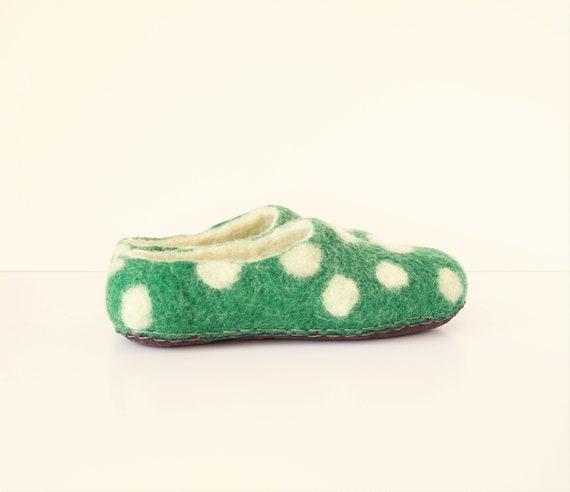 women's slippers to order slippers Handmade shoes slippers house felt wool green wool white slippers Felted felted shoes women felt Pw5RqR