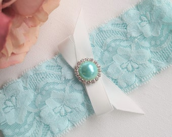 Something Blue Garter, Stretch Lace Plus Queen Size, Rhinestone Pearl Button Brooch & Bow, Single Toss Simple Garter, Bachelorette Prom