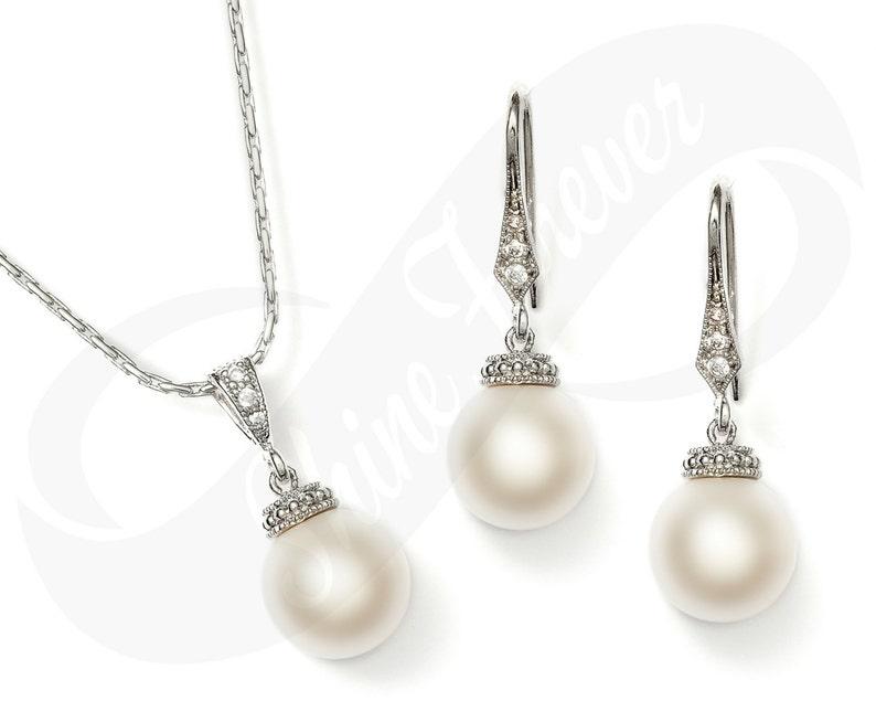 Set of 4 Bridesmaid Earrings Pearl Earrings Bridesmaid Gifts Pearl Bridal Pearl Jewelry Earrings Set Drop Earrings Bridesmaid Set Pearls