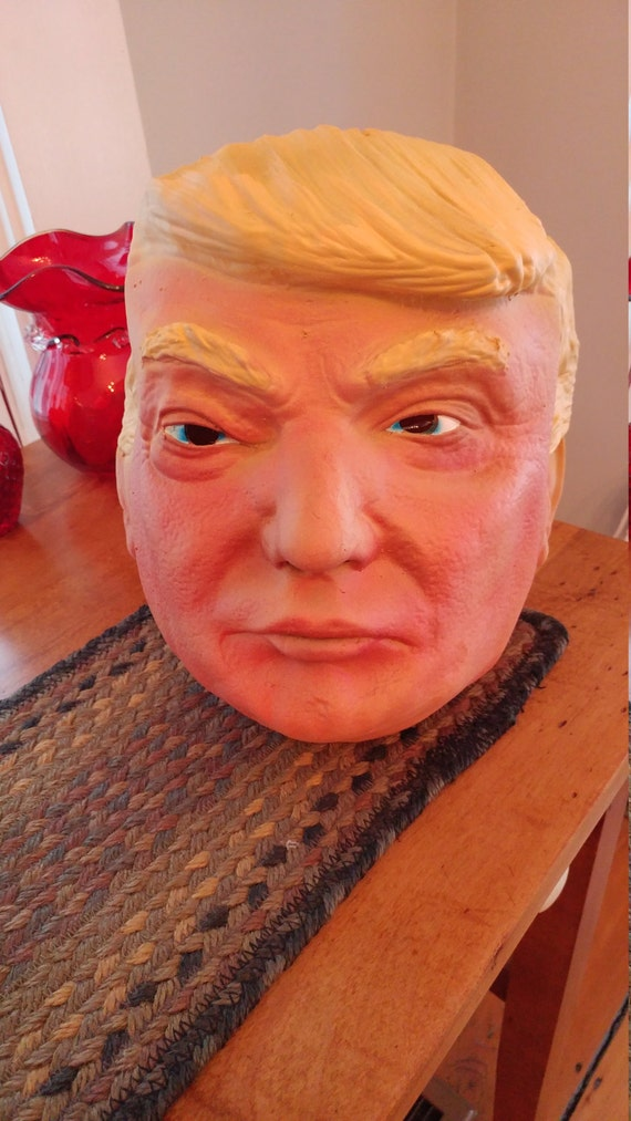 Trump lamp