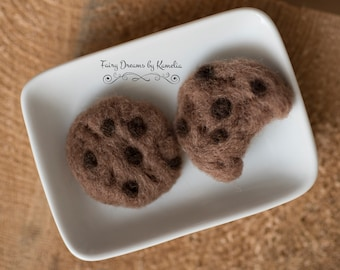 Newborn photo prop Needle felted cookies posing prop cookie lover gift Kids Pretend Food Bitten cookie Chocolate Chip fake food Pretend