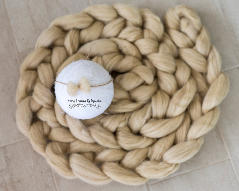 Beige set chunky knit braid felted heart tieback Basket stuffer Newborn photo prop Newborn posing prop Bump braid Wool braid basket filler