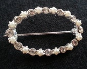 Vintage Brooch: Clear Rhi...