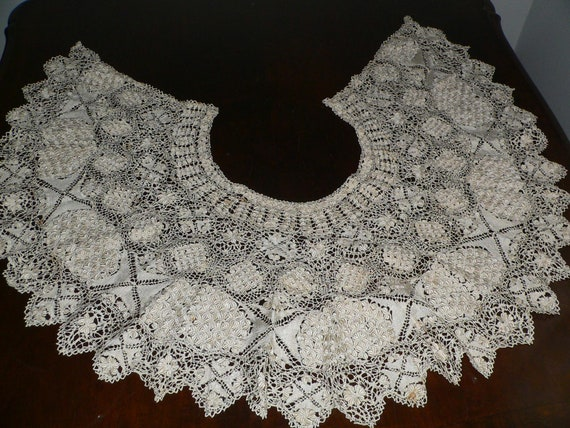 Antique Silk Maltese Lace Bertha Collar, Large Ma… - image 3