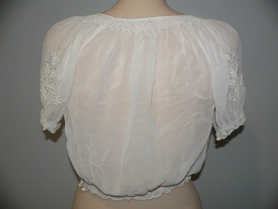 1920's Hungarian White on White Embroidered Blouse - image 9