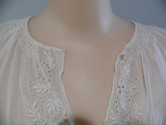 1920's Hungarian White on White Embroidered Blouse - image 2