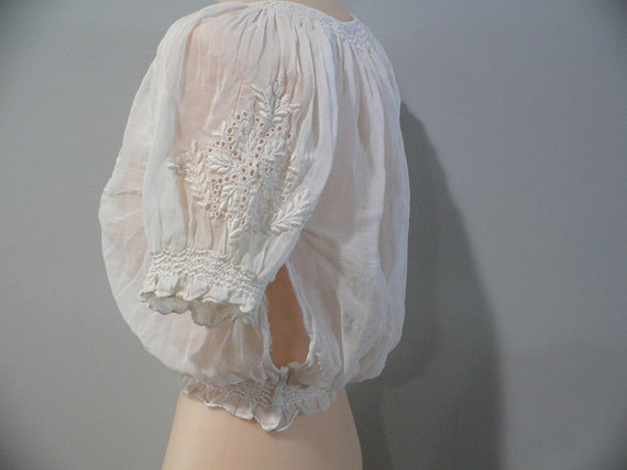 1920's Hungarian White on White Embroidered Blouse - image 6