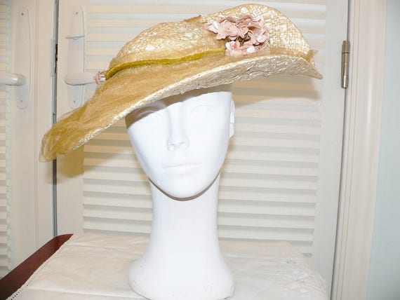 1930s Vintage Straw  Hat with Upturned  Brim with