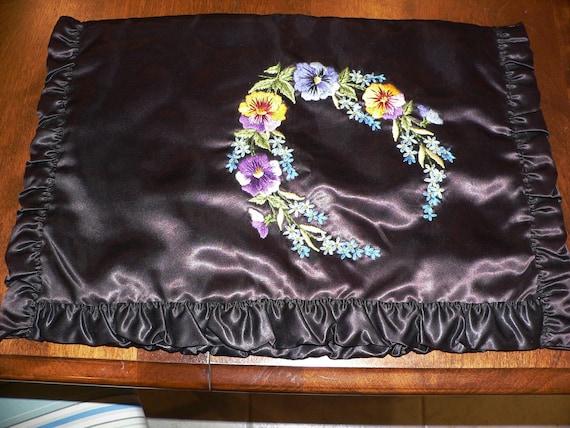 Vintage 1940's Lingerie Bag Embroidered with Pansi