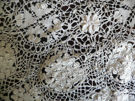 Antique Silk Maltese Lace Bertha Collar, Large Ma… - image 7