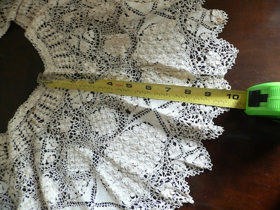 Antique Silk Maltese Lace Bertha Collar, Large Ma… - image 8