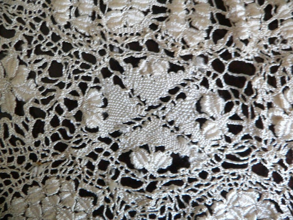 Antique Silk Maltese Lace Bertha Collar, Large Ma… - image 6