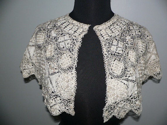 Antique Silk Maltese Lace Bertha Collar, Large Ma… - image 1