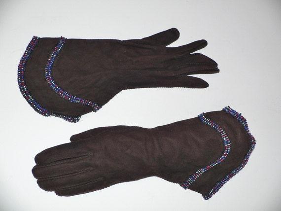 1940's Dark Brown Suede Gauntlet Gloves w Beading - image 1