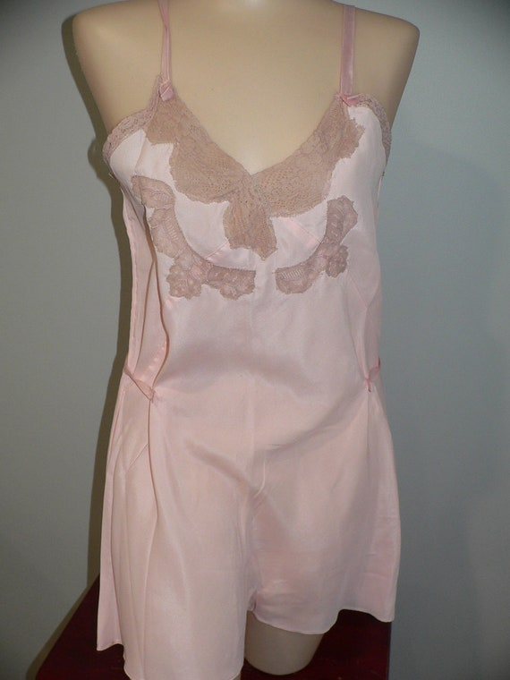 1930's Step in Teddy Chemise, Pink  with Ecru Alen