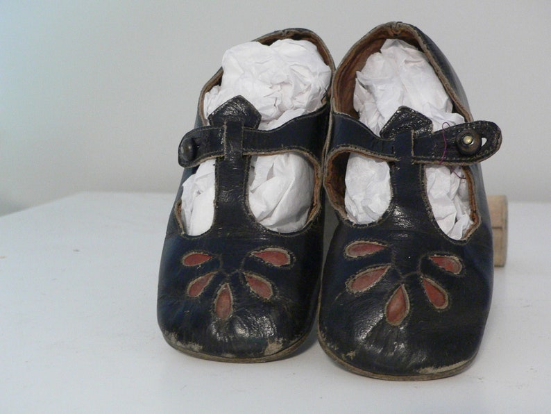1f77cdc4cf3e9 Antique Vintage Mary Jane Shoes for Girls or Dolls