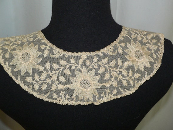 Victorian Edwardian Beige Net Lace Collar Limeric… - image 2