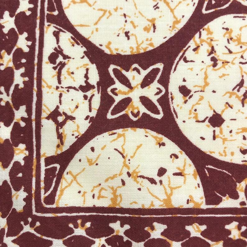 Vintage Maroon Pattern Cloth Reusable Dinner Napkins
