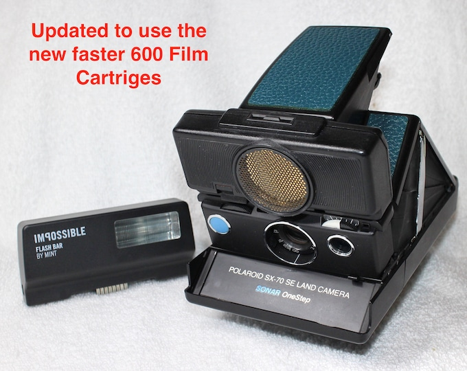 Rebuilt Polaroid SX70 Autofocus with New Mint Electronic Flash - Updated to use 600 Film Cartridges