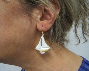 Mother/'s Day Gift Tropical Nautical Statement Earring Sailboat Earring Yachting Sea Life Boating Jewelry White with Brass Hi-lights #60455-7