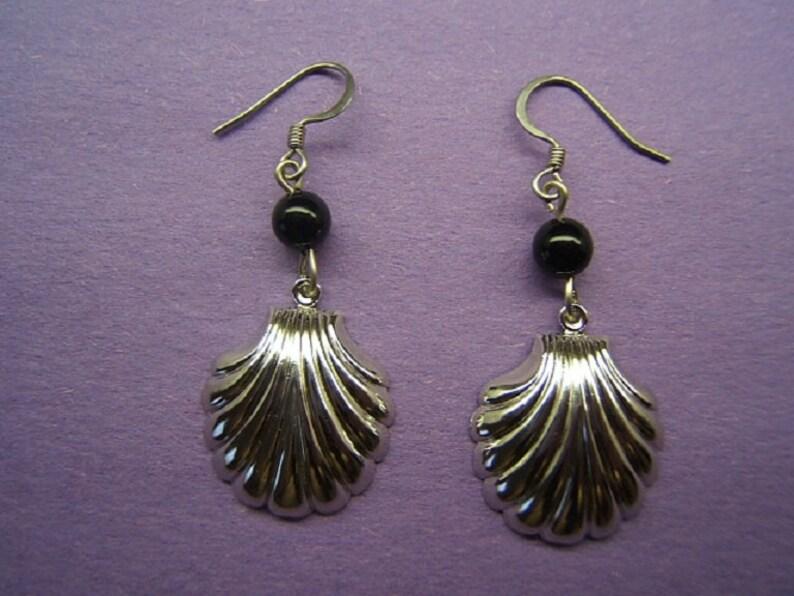 Wife Mom Her Gift Idea Sea Shell Dangle Earring Earing Tropical Jewelry Sea Life Seashell Shiny Silver Tone with Genuine Onyx Bead #80035-3