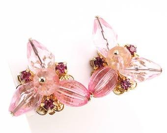 Clip On Earrings Vintage, Vintage Earrings, Lucite Jewelry, Book Piece, Funky Earrings, Pink Earrings, Statement Earrings, Big Earrings