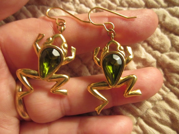 Frog dangling earrings
