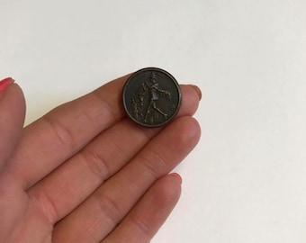 Vintage Metal Pied Piper of Hamlin Button