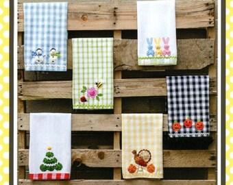 """Sewing Pattern """"Holiday Fun"""" Marcia Layton *Home Decor Pattern *Yo-Yo Accents *Retro Tea Towel *Yo Yo Flower Holiday Yo Yos"""