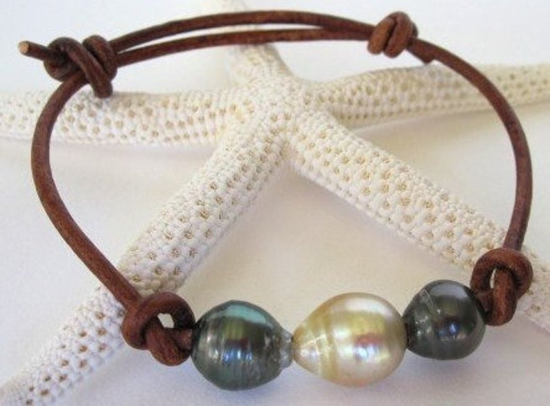 Tahitian Pearl Jewelry South Sea Pearl Bracelet Luxury Bracelet Tahitian Pearls Bracelet Leather Cultured Pearls on Leather Bracelet