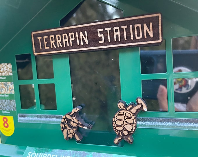 Terrapin Station Grateful Dead Theme Outdoor Garden Bird Feeder Squirrel Proof