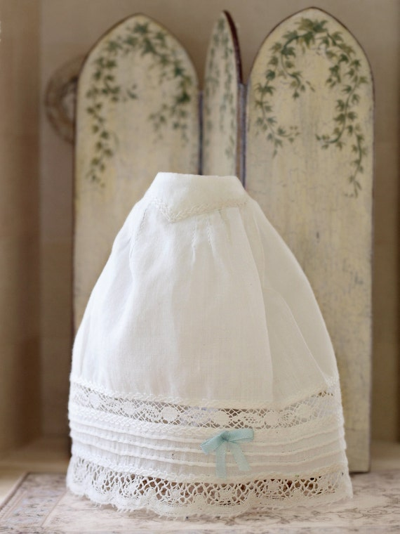 Dollhouse Miniature Handmade Lace Trimmed Blue Baby Bib 1:12 Scale