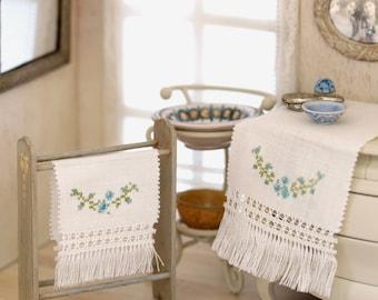 Miniatura handmade towels set, scale 1:12
