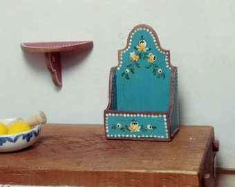 Polychrome flour box . scale 1:12. Making handmade and painted by hand.