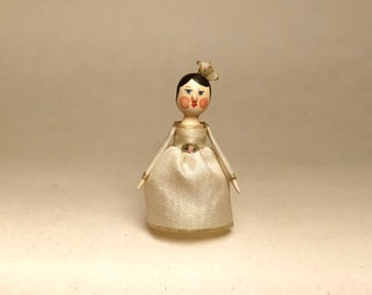 Mini Doll Peg 1:12 scale. 27 mm high approximate.