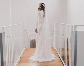 Soft wedding veil, silk style single tier bridal veil, raw cut edge, English Net, simple, classic, minimal, subtle, narrow veil | BEAUTY