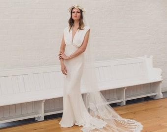 Lace edged drape veil, boho draped wedding veil, soft veil, eyelash lace, single tier veil, English Net veil, Chantilly lace veil | ESME